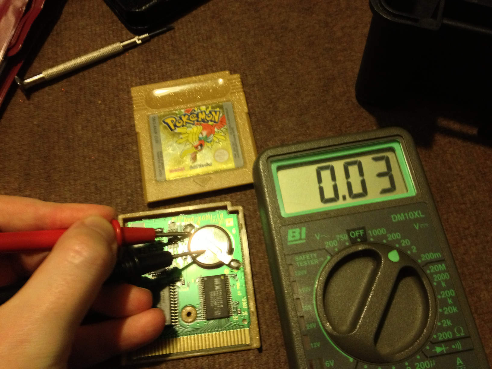 Replacing the battery in Gameboy game cartridges [UPDATE]